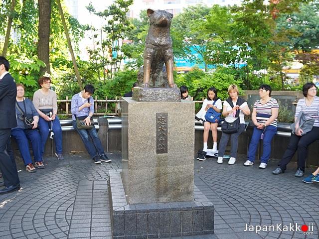 รูปปั้นฮาจิโกะ (Hachiko Statue)