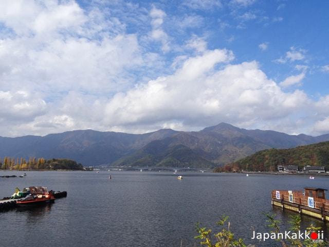 ทะเลสาบคาวากุจิโกะ (Lake Kawaguchiko)