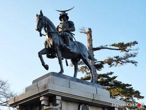 อนุสาวรีย์ Date Masamune ที่ปราสาทเซนได