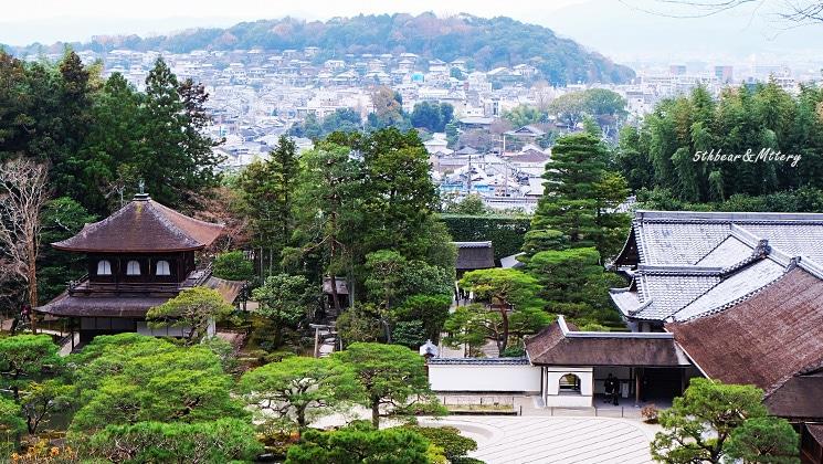 ทิวทัศน์ของวัดและเมืองเกียวโต