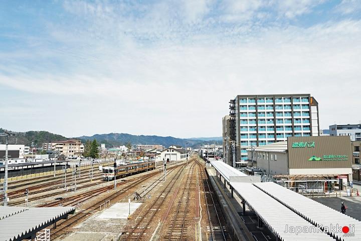 สถานี Takayama