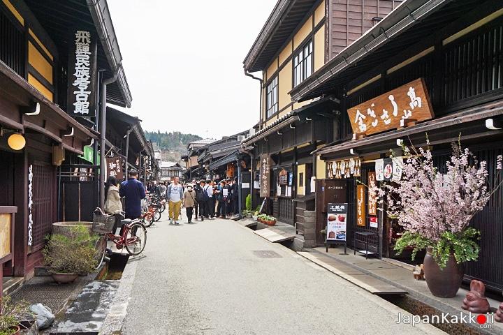 Takayama Sannomachi Street