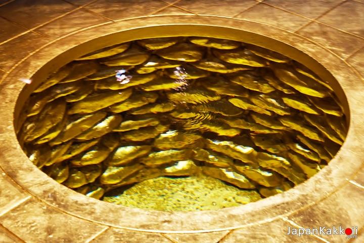 บ่อน้ำทองคำเปลว