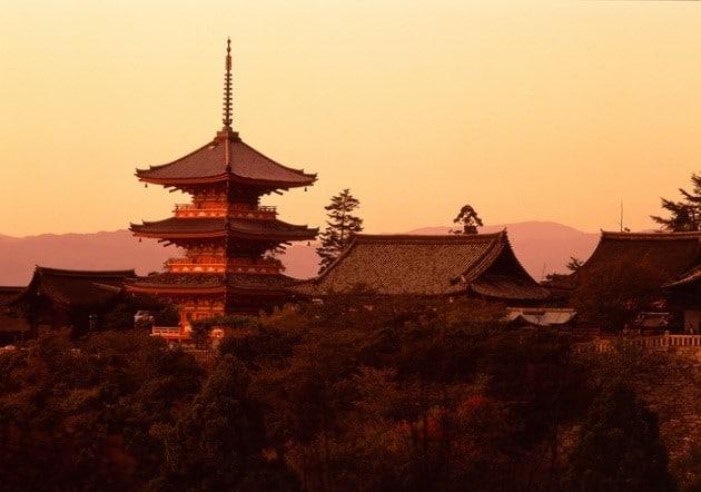 วัดน้ำใส คิโยะมิซุ (จังหวัดเกียวโต)