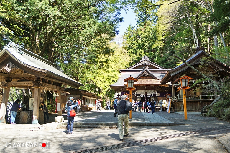 ศาลเจ้าอาราคุระยามะเซนเกน (Arakurayama Sengen Shrine)