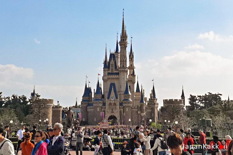 Tokyo Disneyland Cindrella Castle