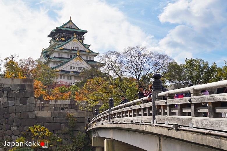 ปราสาทโอซาก้า (Osaka Castle / 大阪城)