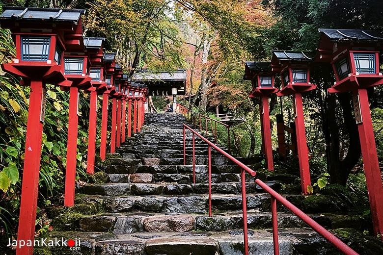 ศาลเจ้าคิฟุเนะ จินจะ (Kifune-jinja Shrine / 貴船神社)