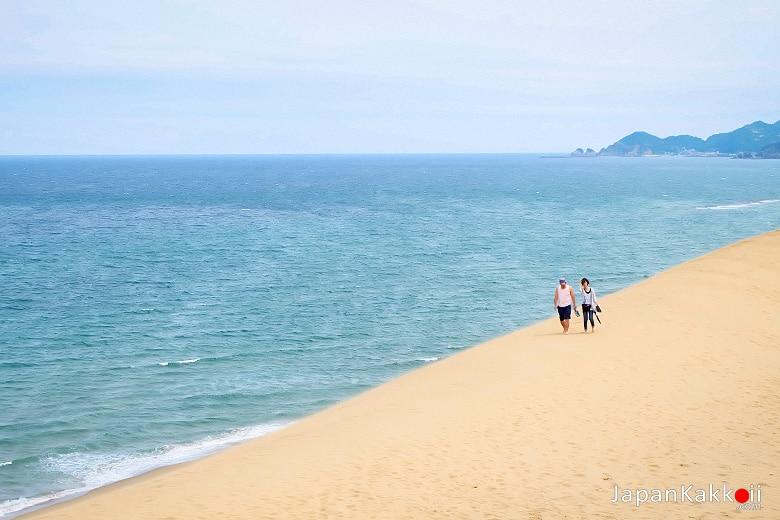 บริเวณริมชายหาด