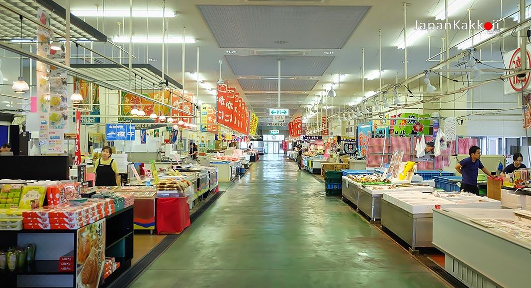 ศูนย์จำหน่ายปลาซาไกมินาโตะ (Sakaiminato Fish Center)